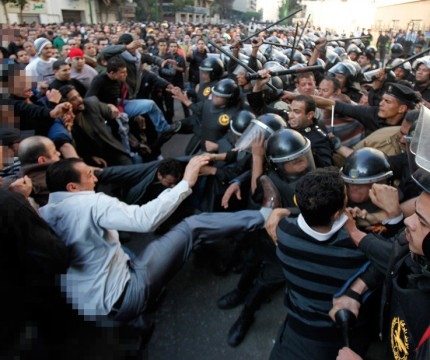 Clash between protesters and Egyptian police. Photo by sorav2011:https://goo.gl/nHm6zw